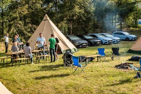 Hyundai i30N camping