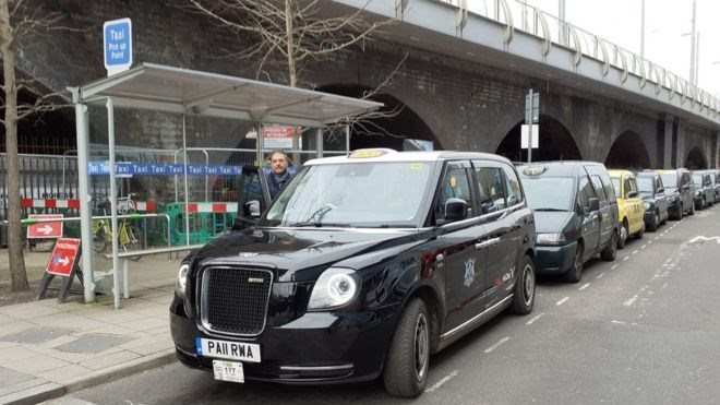 New wireless electric car charging trial for Nottingham taxis