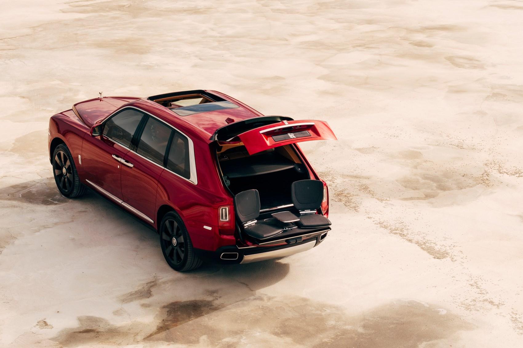 Rolls Royce Cullinan Gets The Black Badge Car Magazine