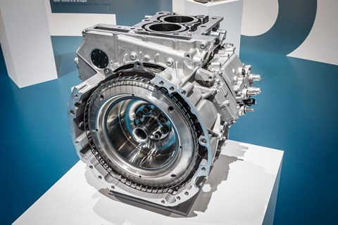 Integrated starter generator built into straight six: the new AMG 53 engine tech in action