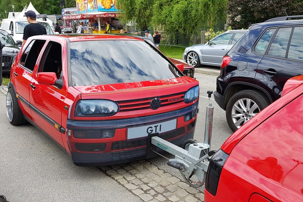 4baba225 …as illustrated by this Mk3 Golf GTI trailer, conveniently being towed by  an actual Mk3 Golf GTI.