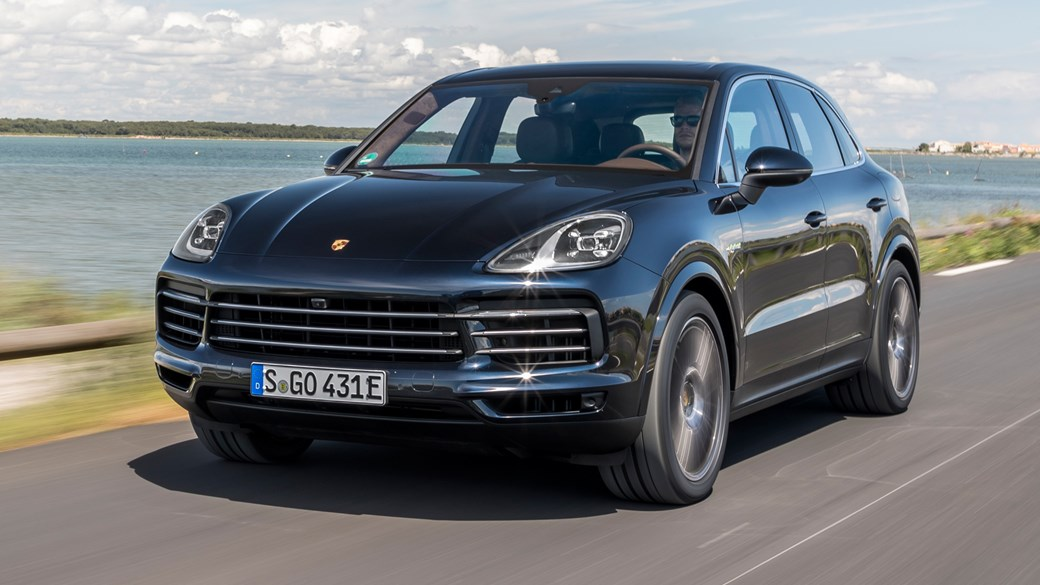 Porsche Cayenne E Hybrid 2018 Suv Review Plugs In Again