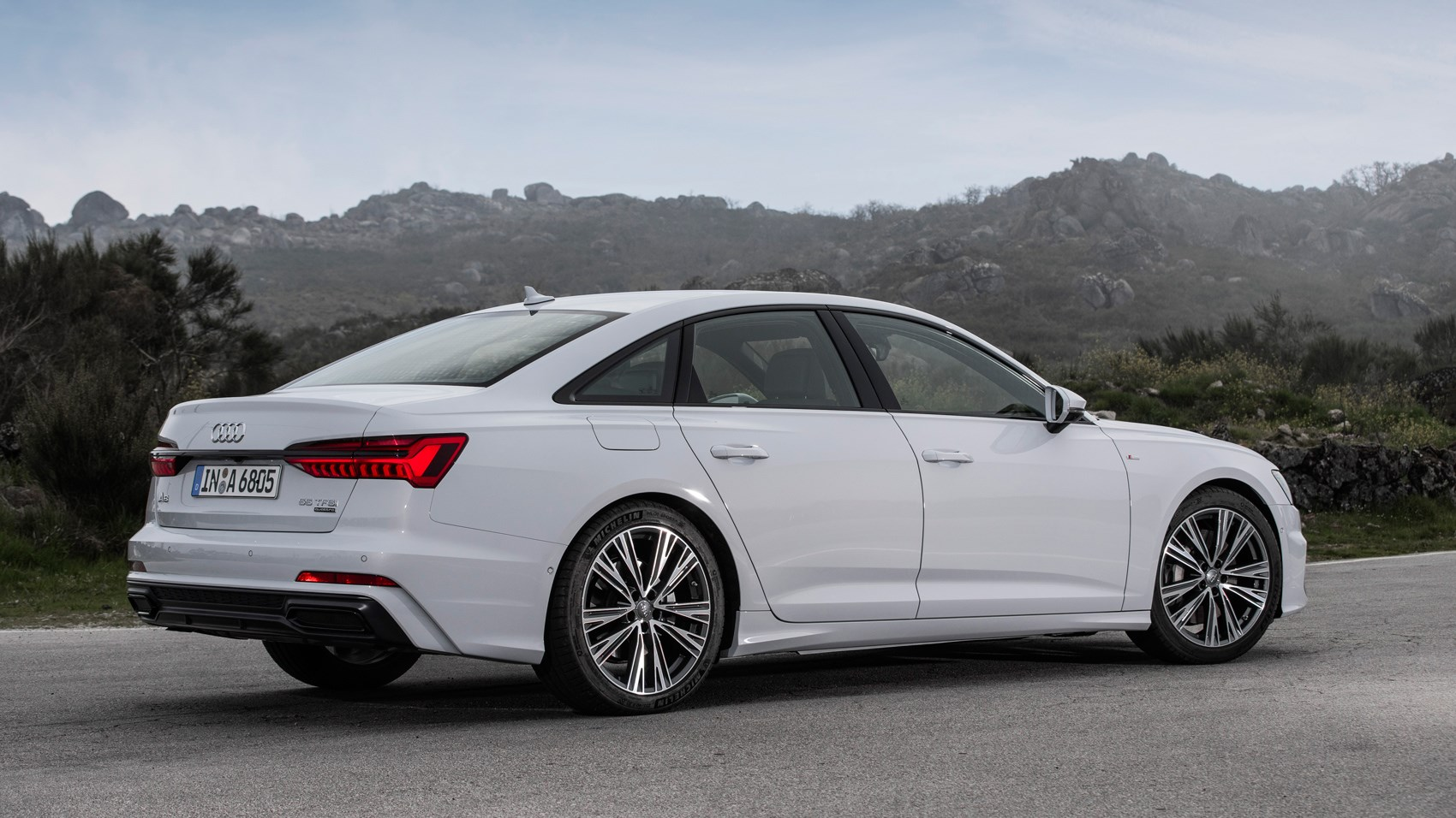 audi a6 saloon 2018 review specs prices car magazine. Black Bedroom Furniture Sets. Home Design Ideas