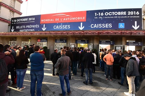 Punters queue up to enter the 2016 Paris motor show (Getty Images)