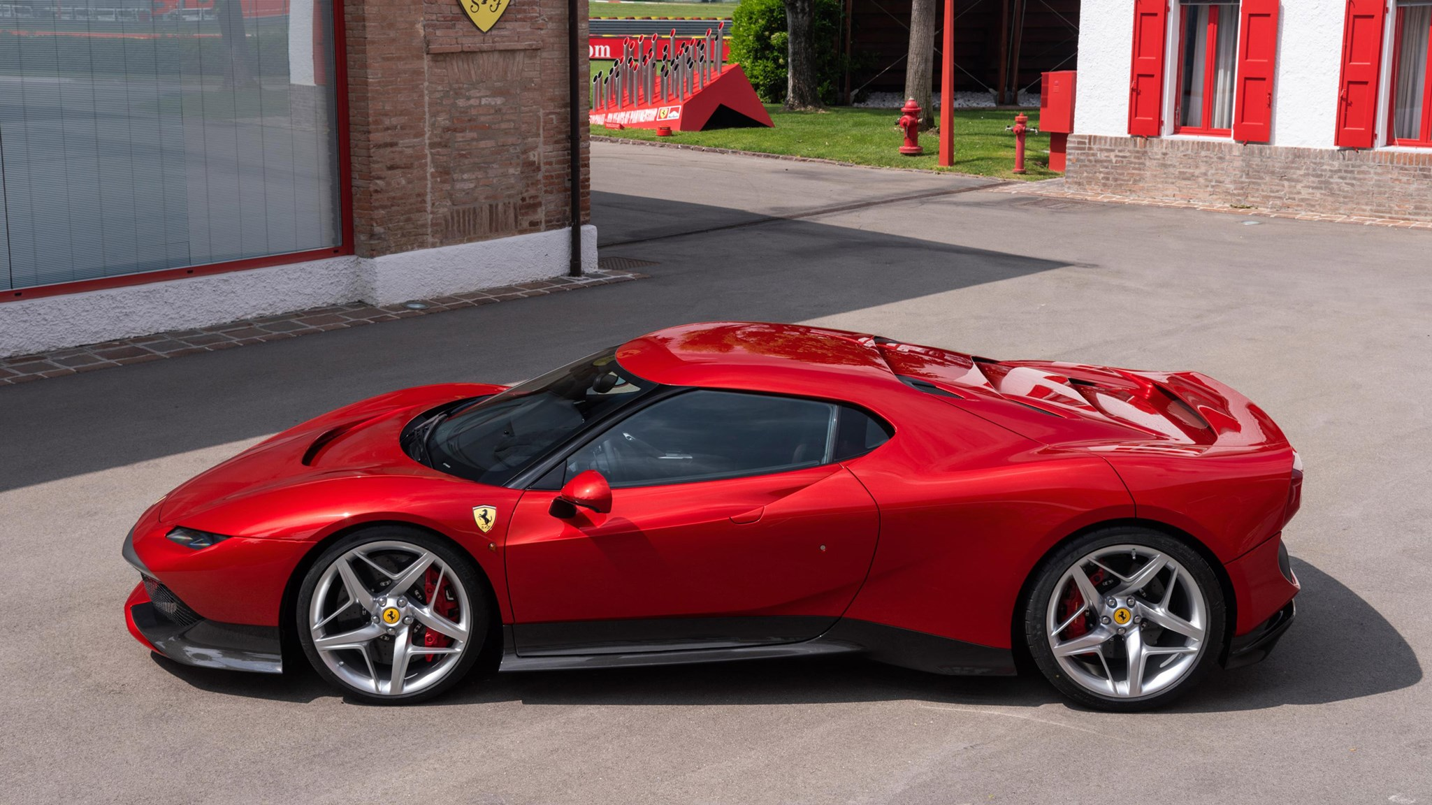 ferrari sp38 meet maranello s f40 and 308gtb inspired one off car magazine. Black Bedroom Furniture Sets. Home Design Ideas