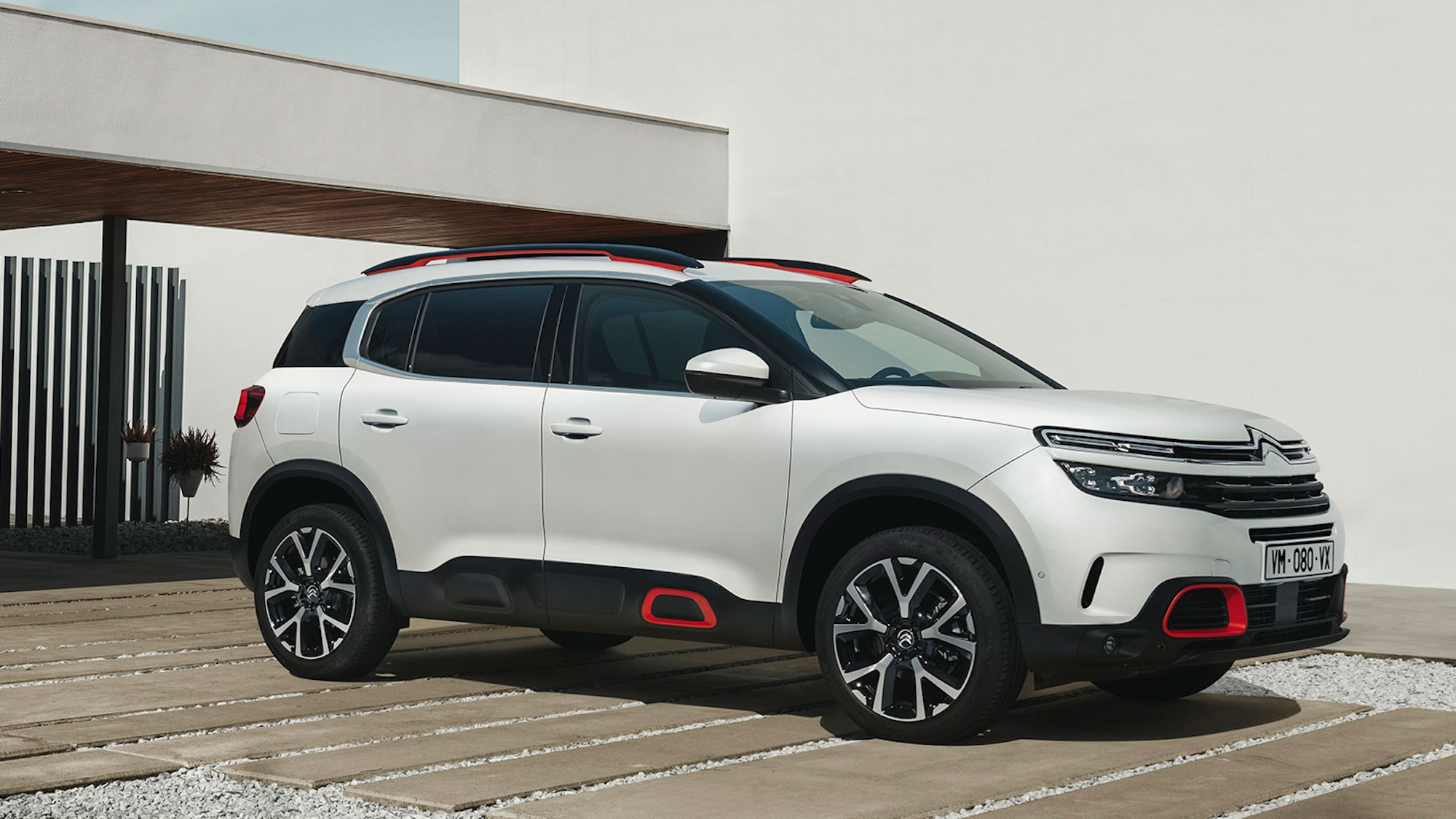 citroen c5 aircross suv 2019 review bringing new comfort to the masses car magazine. Black Bedroom Furniture Sets. Home Design Ideas