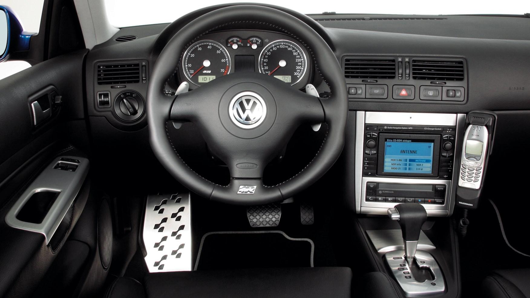 Driving the classics: Volkswagen Golf R32 Mk4 (2002) review | CAR Magazine