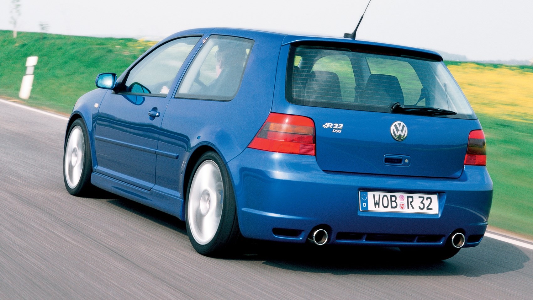 driving the classics volkswagen golf r32 mk4 (2002) review carvw golf r32 rear tracking