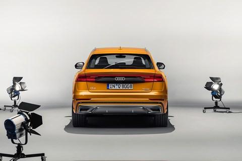 Audi Q8 arka