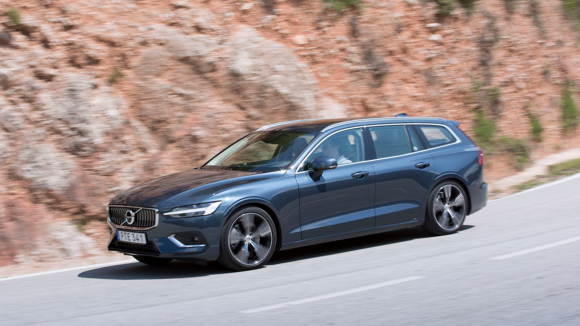 New Volvo V60 2018 Review We Drive The D3 Sel