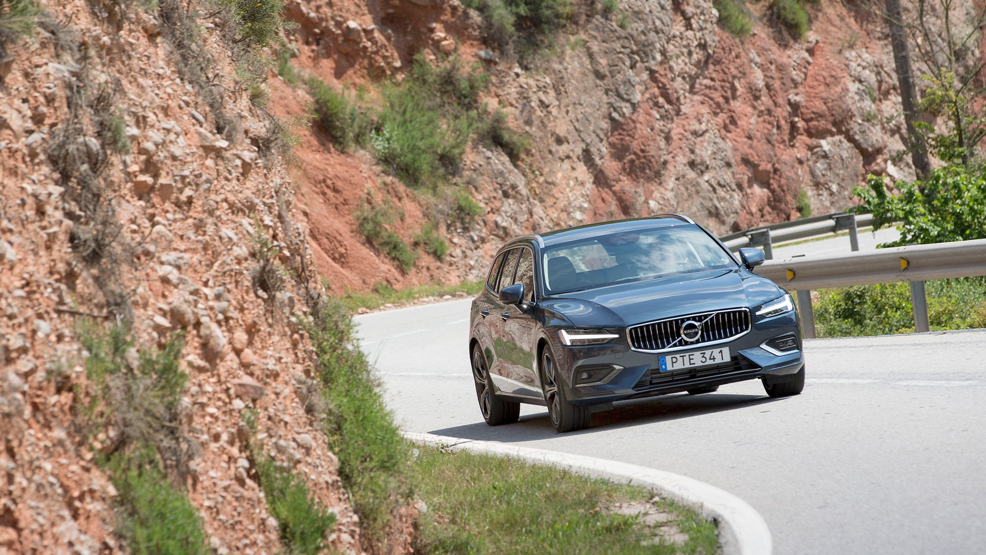 New Volvo V60 2018 Review We Drive The D3 Diesel Car Magazine