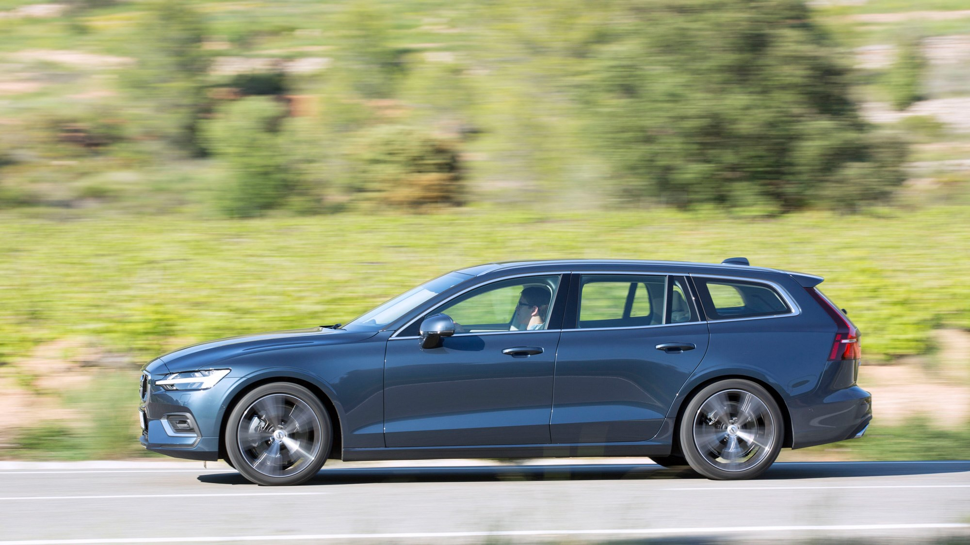 New Volvo V60 (2018) review: we drive the D3 diesel | CAR Magazine