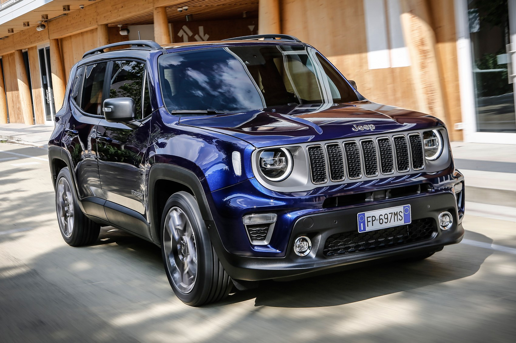 2018 Jeep Renegade: Changes, Design, Features, Price >> Jeep Renegade 2018 Suv Review Chunky Charm Car Magazine