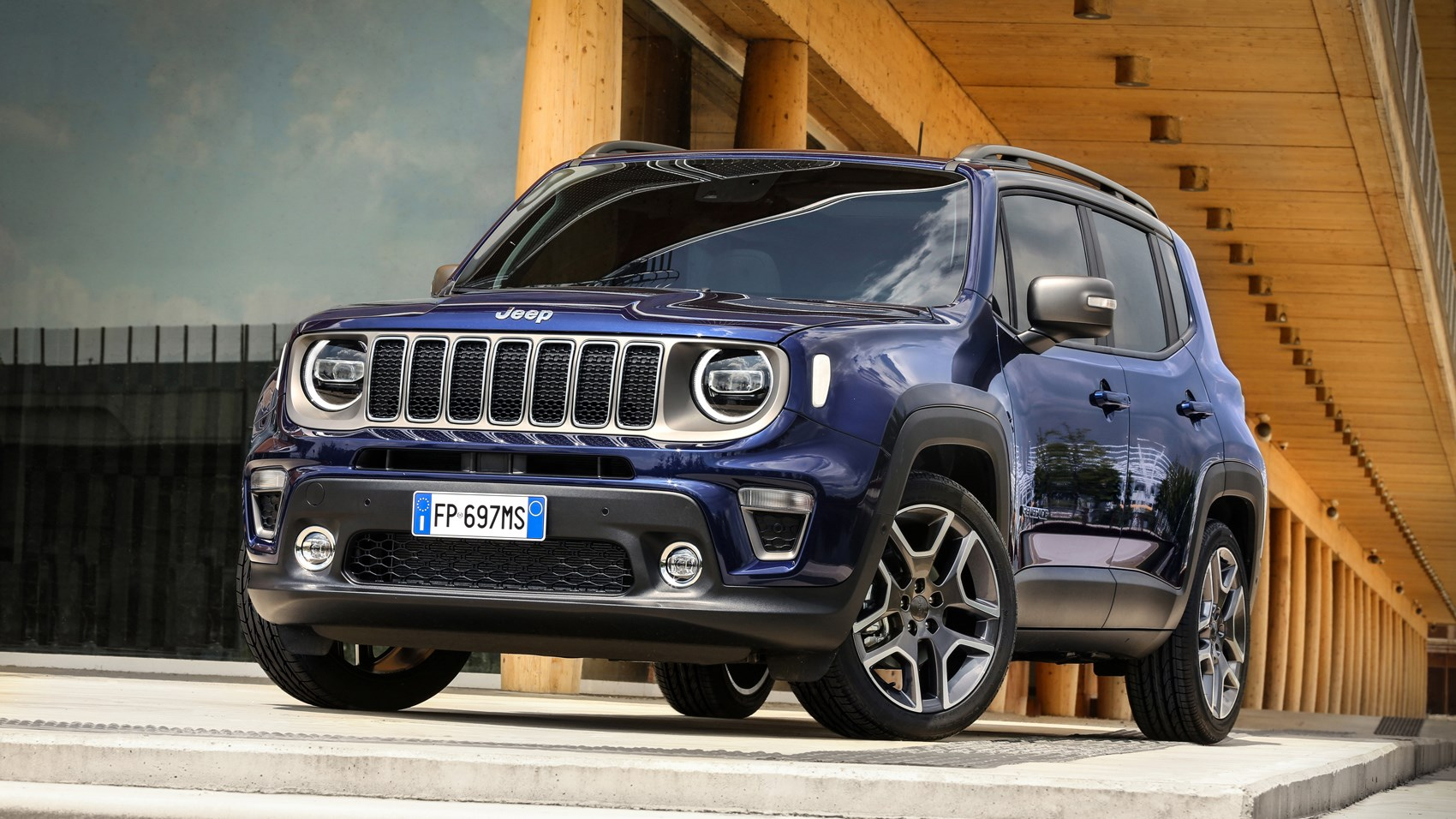 2020 Jeep Renegade Hybrid Debut Details >> Jeep Renegade 2018 Suv Review Chunky Charm Car Magazine