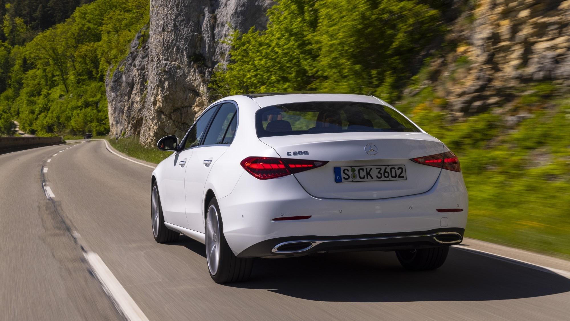 2021 Mercedes-Benz C-Class rear tracking