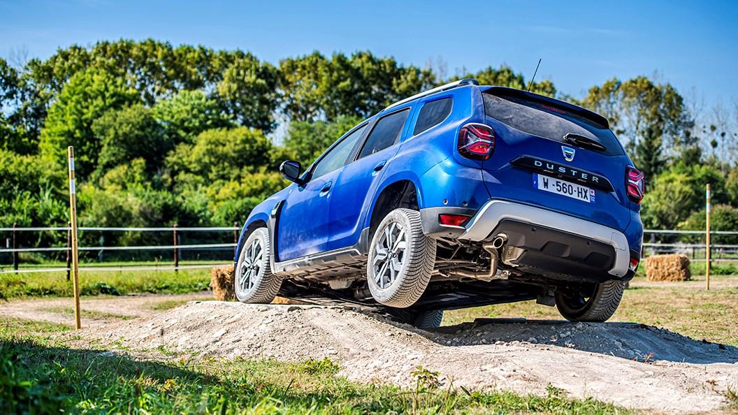 Dacia Duster (2021) off-road driving