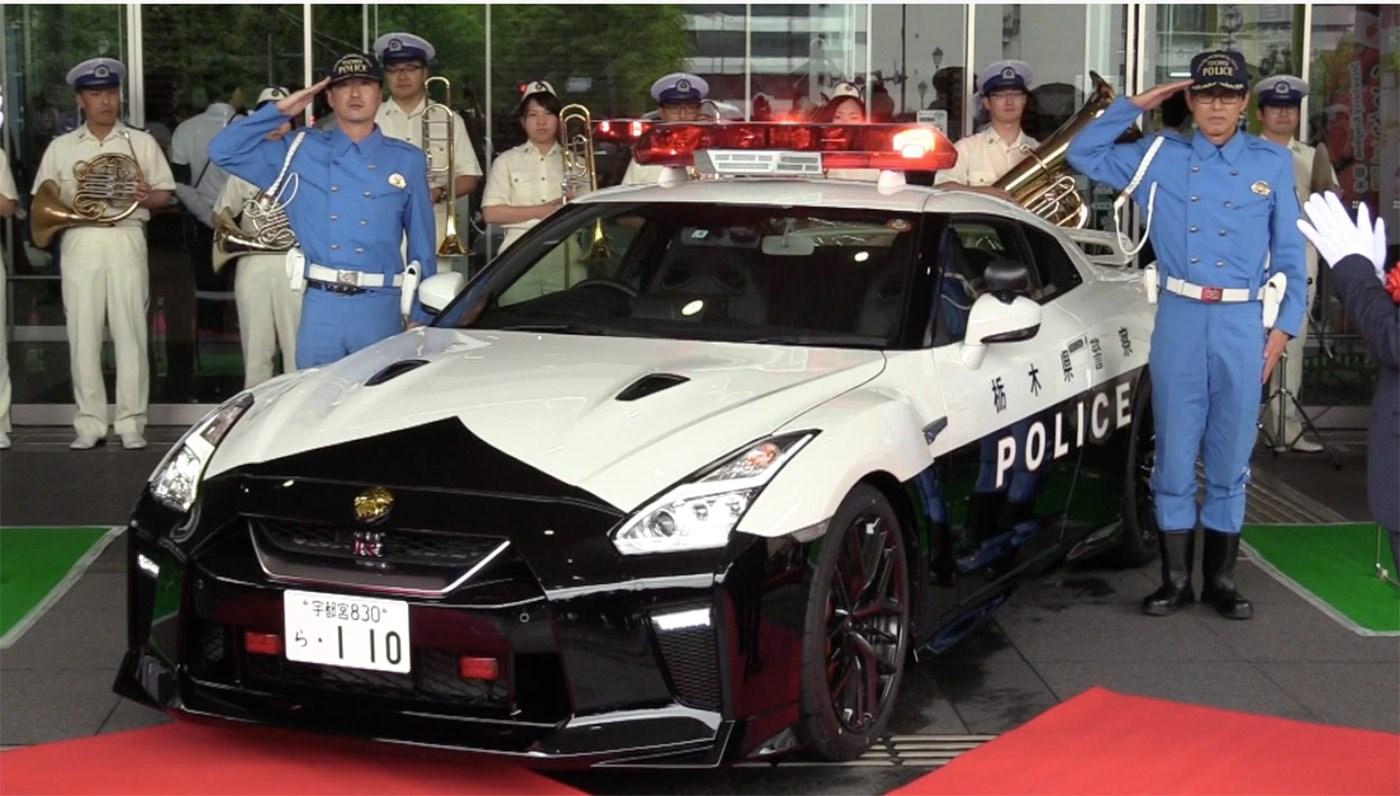 world 39 s best police cars car magazine. Black Bedroom Furniture Sets. Home Design Ideas