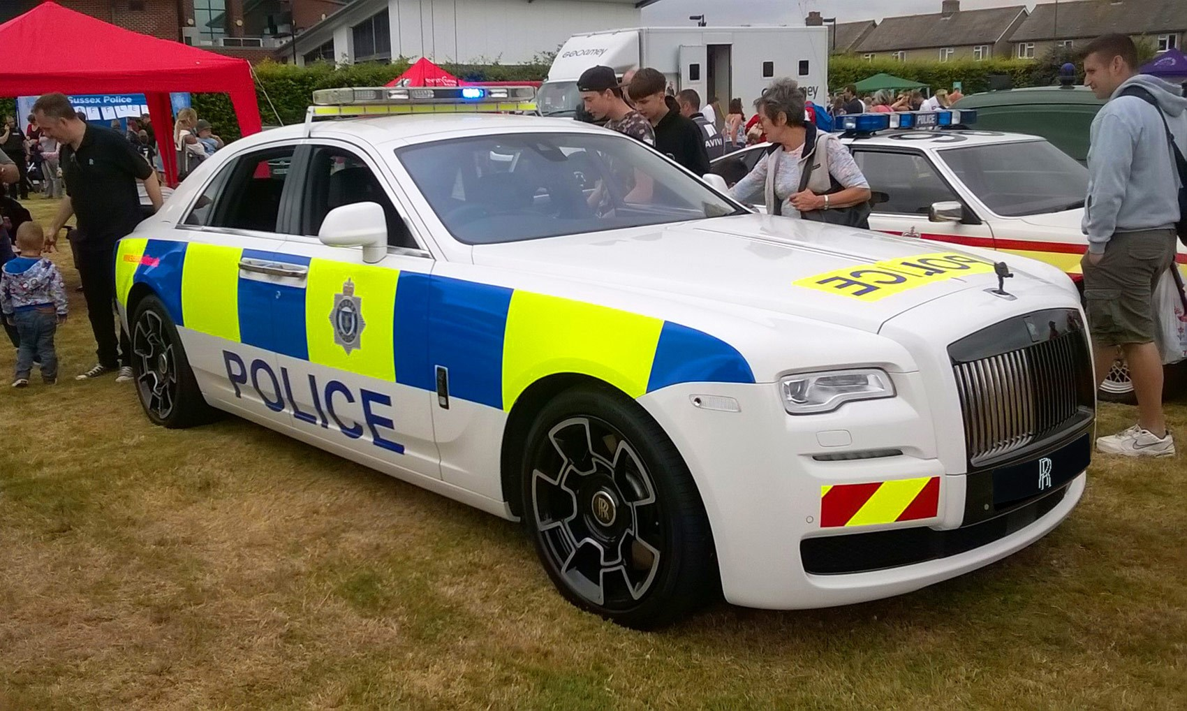 Rolls Royce Even Got In On The Act Wring A Limo Police Livery