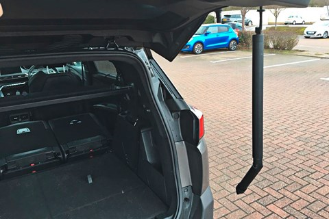 The strut on our Peugeot 5008 tailgate has broken