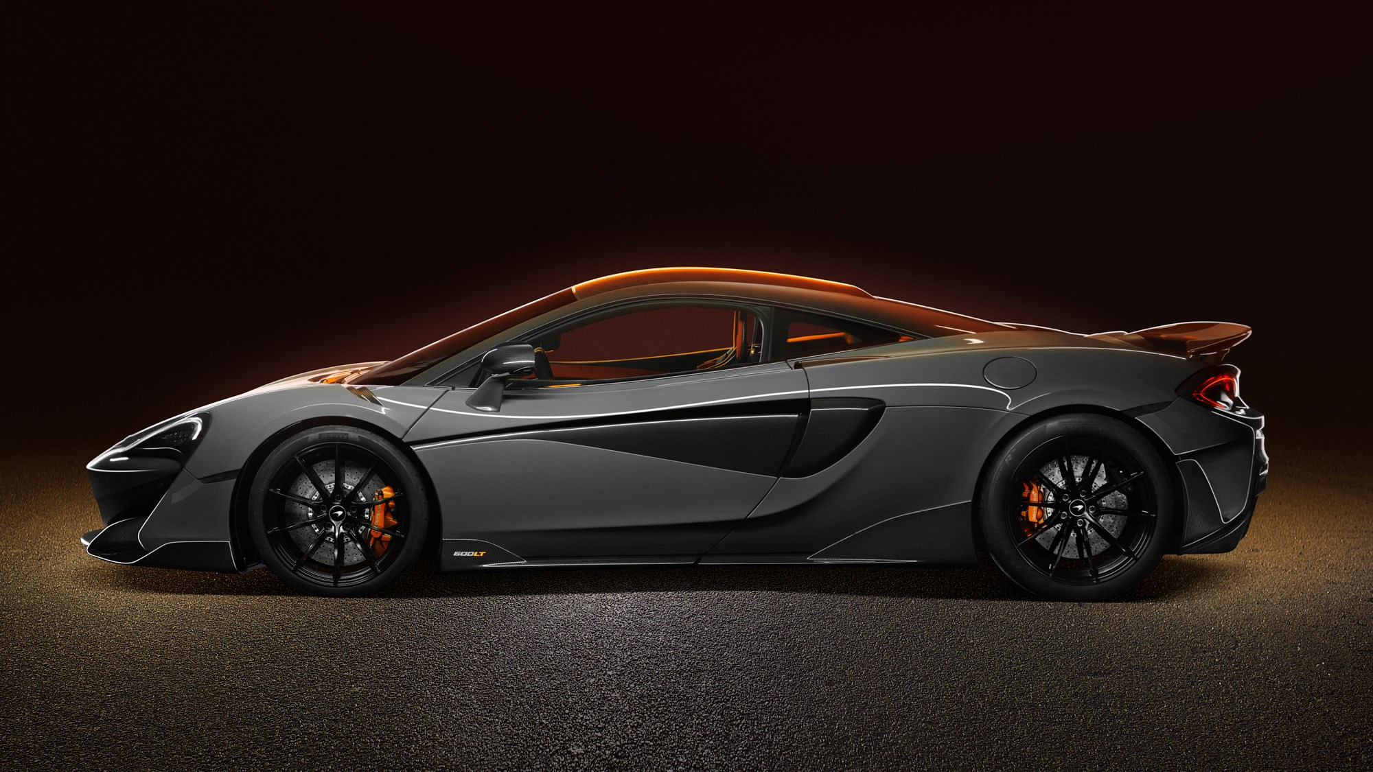 mclaren 600lt spider revealed longtail loses the roof car magazine. Black Bedroom Furniture Sets. Home Design Ideas