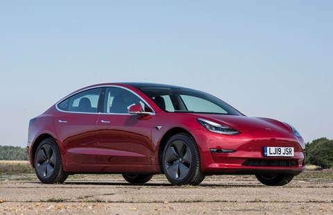 Tesla Model 3 UK: one of the bestselling cars some months of 2020
