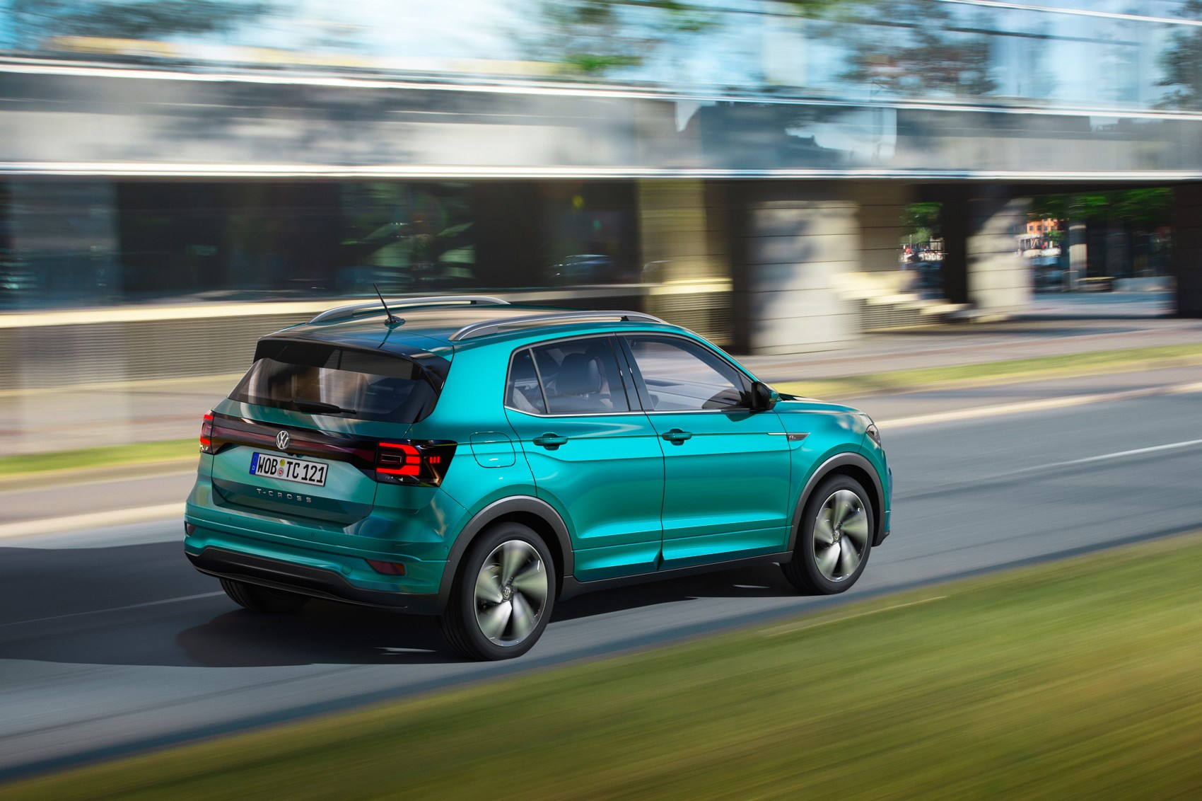 volkswagen  cross unveiled  vws arona car magazine