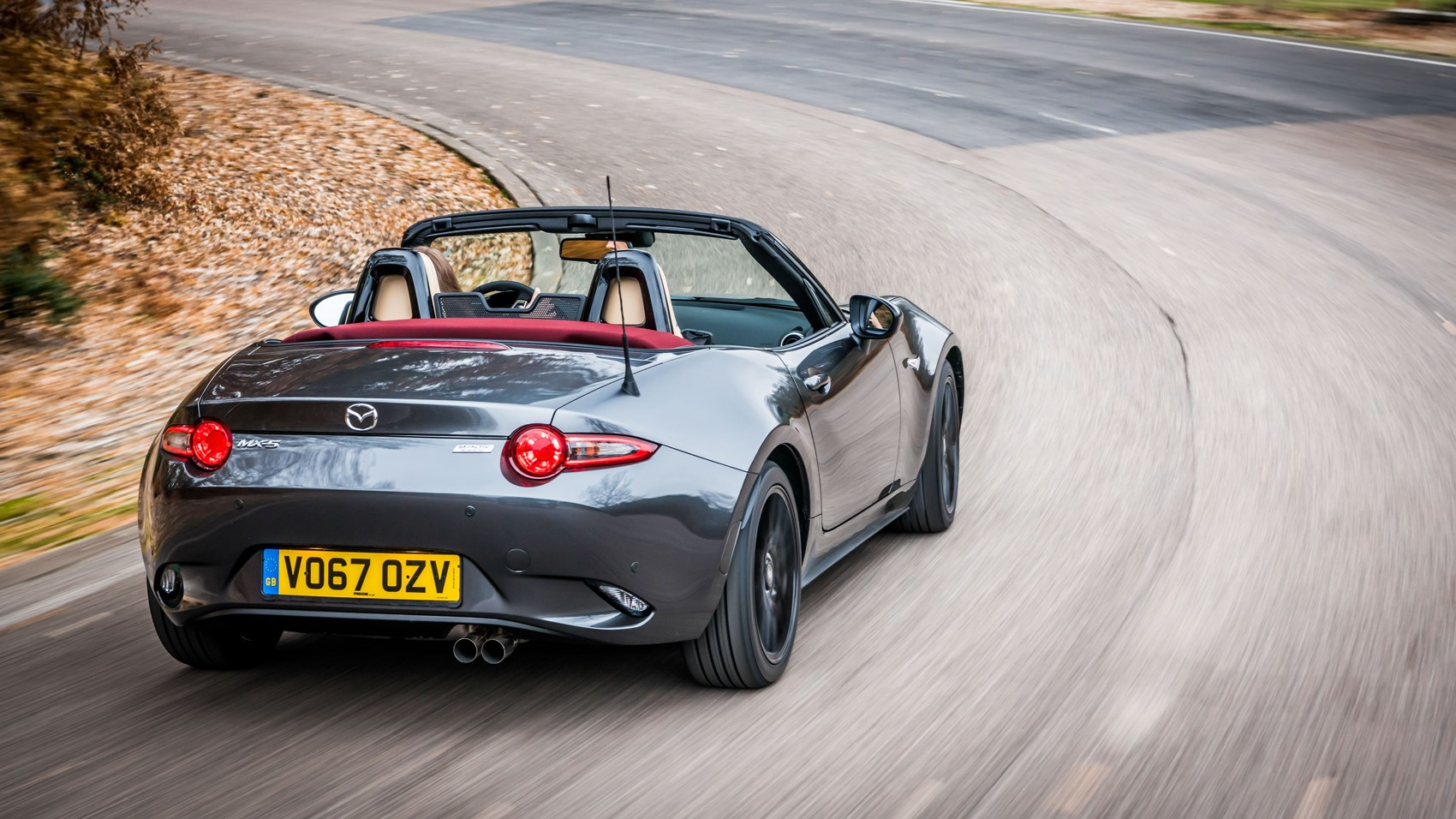 MX-5 Z-Sport rear cornering