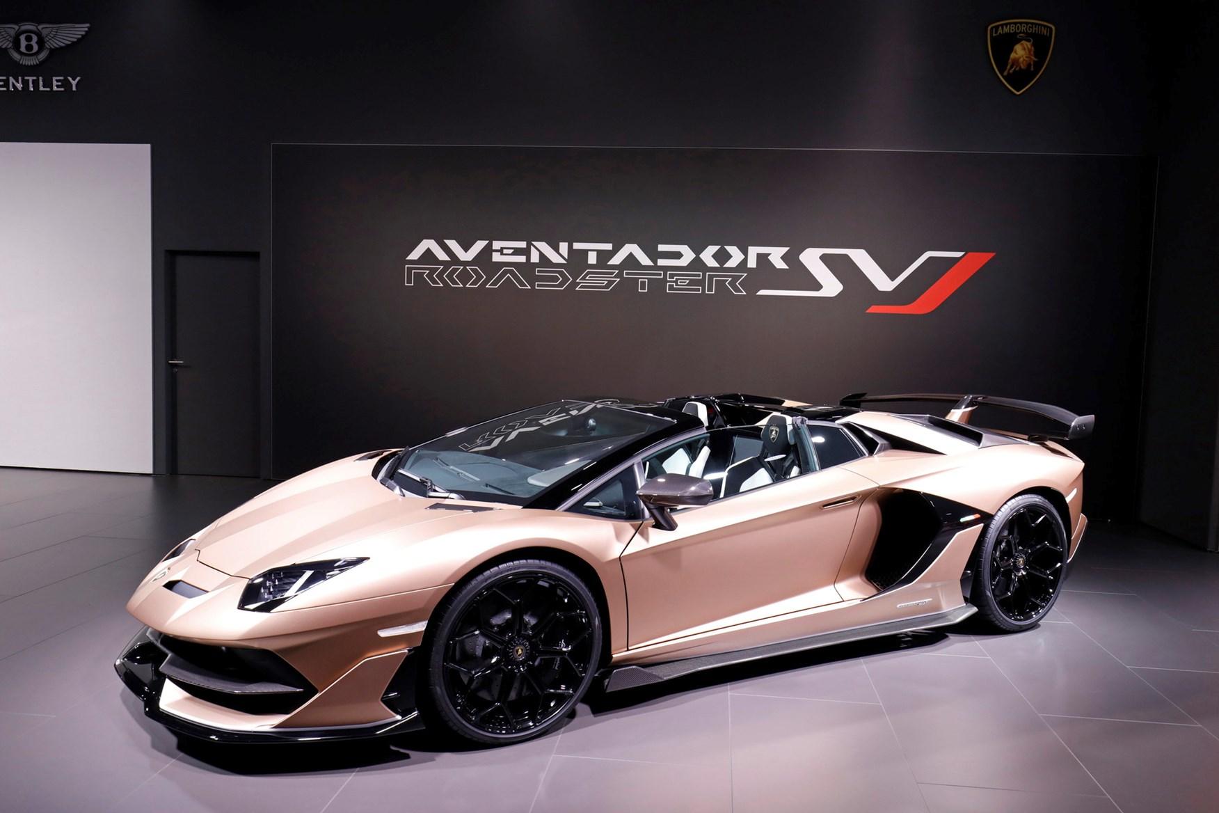 Outrageous 217mph Lamborghini Aventador Svj Roadster Chops Its Top Car Magazine