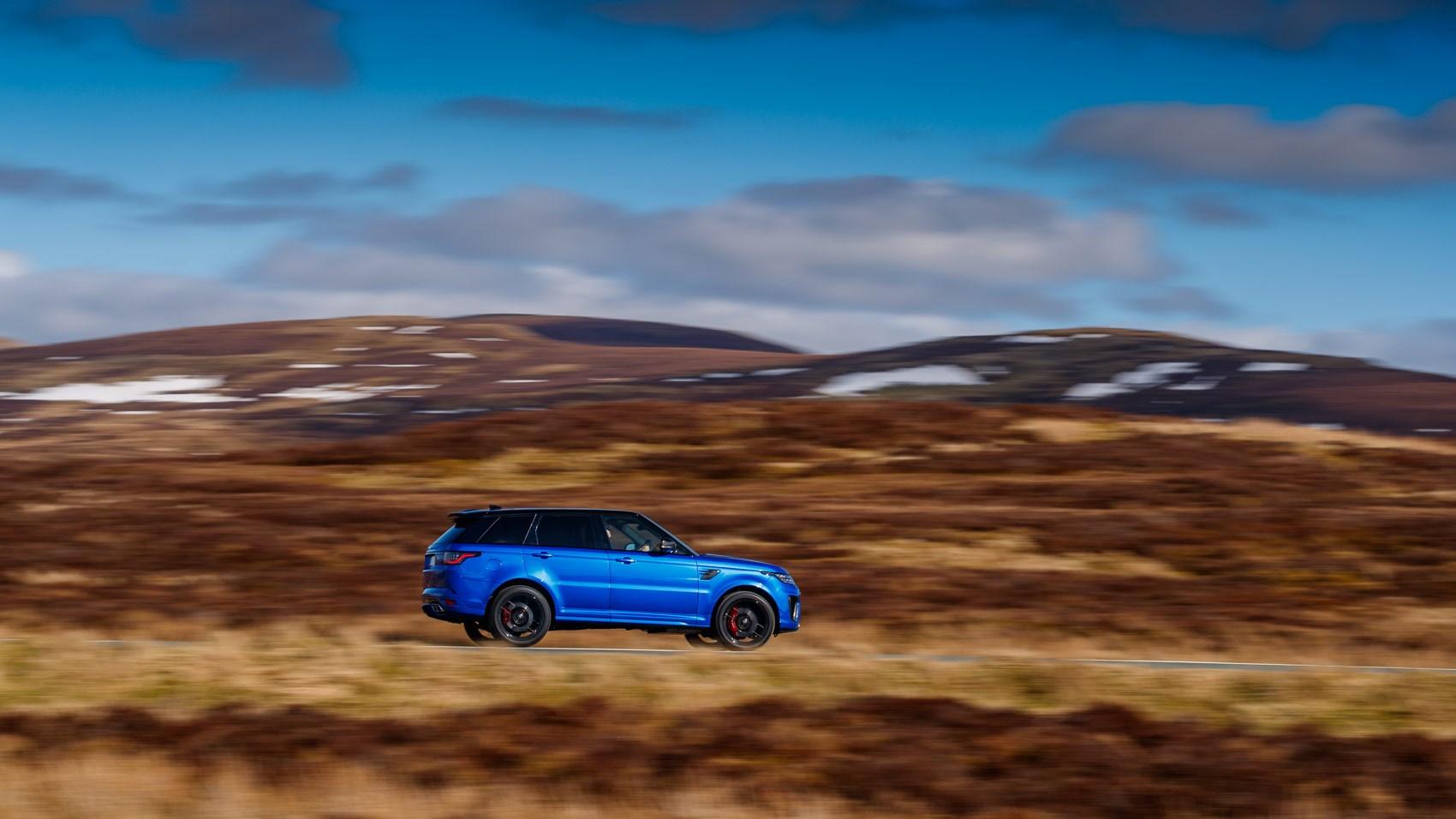 Range Rover Sport SVR 2018 side pan