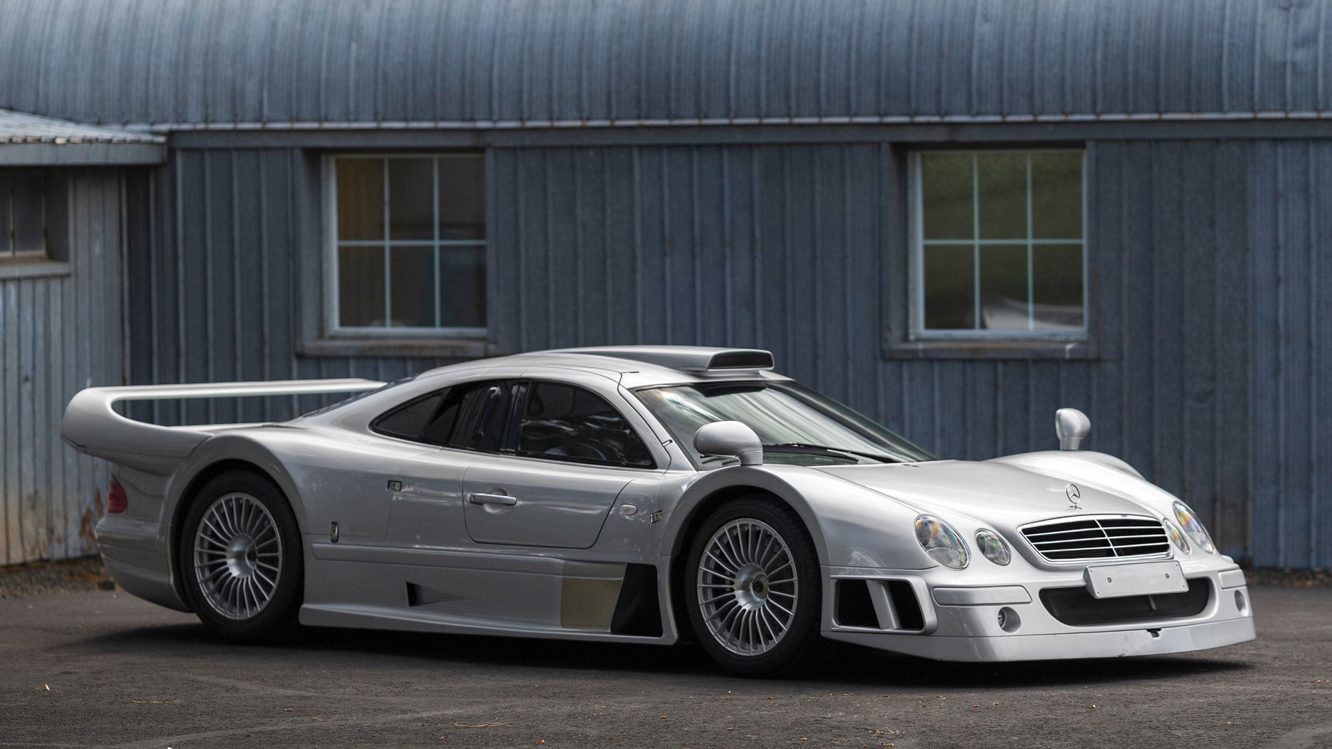 this stunning mercedes clk gtr is being sold at pebble. Black Bedroom Furniture Sets. Home Design Ideas
