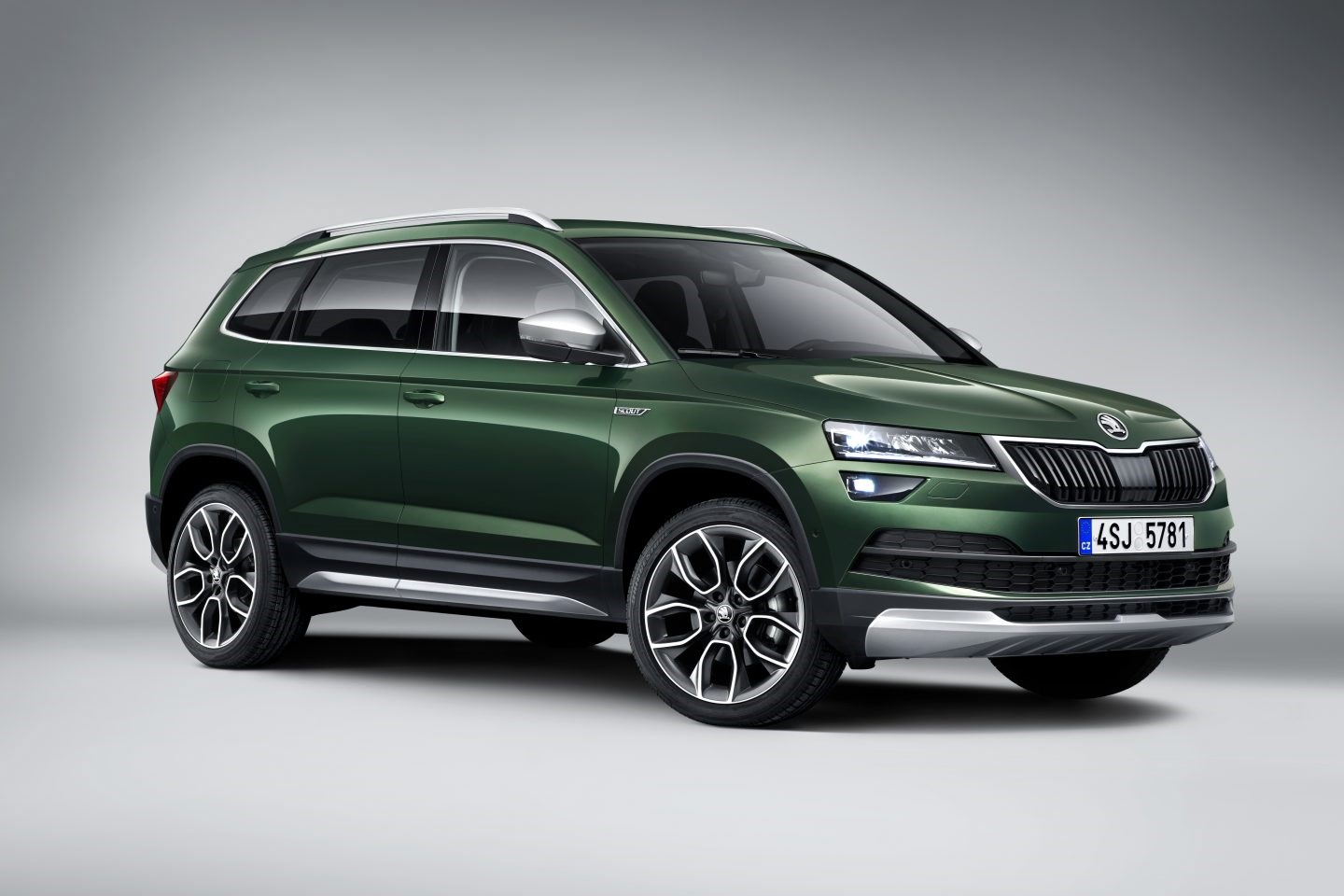 skoda karoq scout news photos specs car magazine. Black Bedroom Furniture Sets. Home Design Ideas