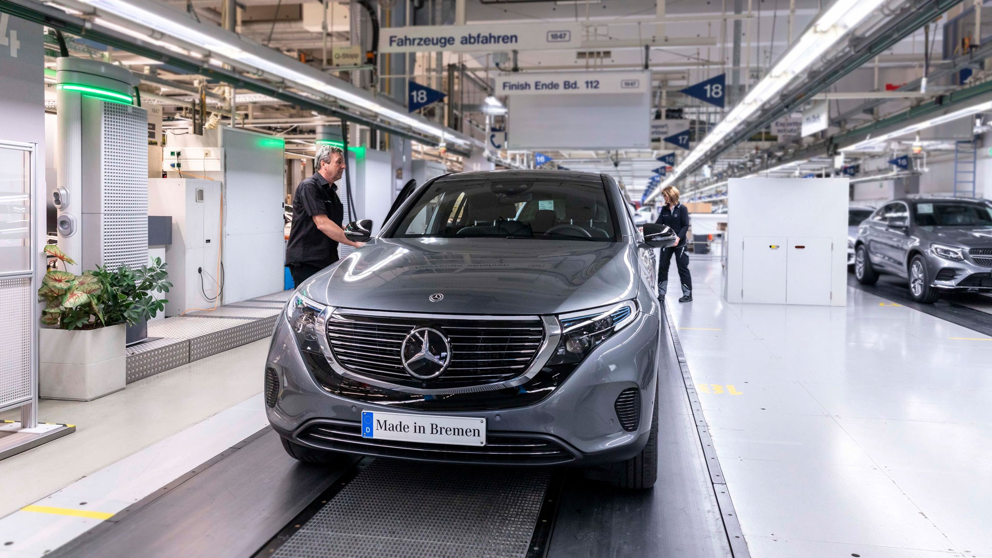 Mercedes Eqc Electric Suv Rolls Off The Production Line
