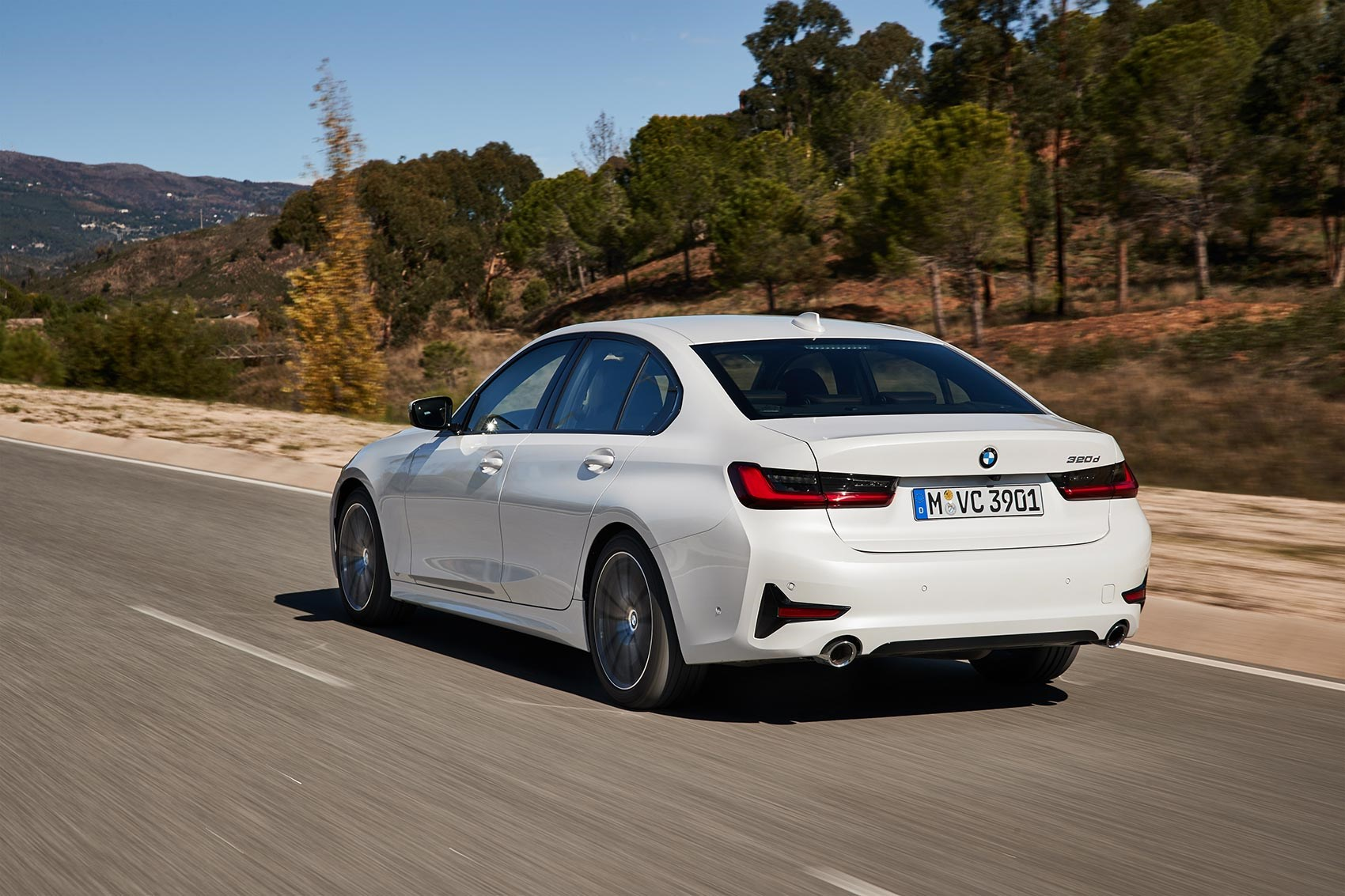 New BMW 320d review by CAR magazine