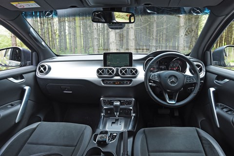 Mercedes X250d interior