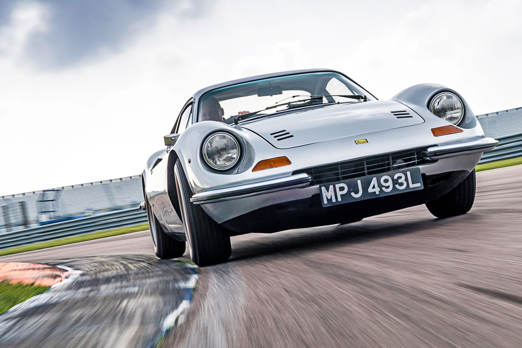 Driving The Classics Ferrari Dino 246 Gt 1972 Review Car Magazine