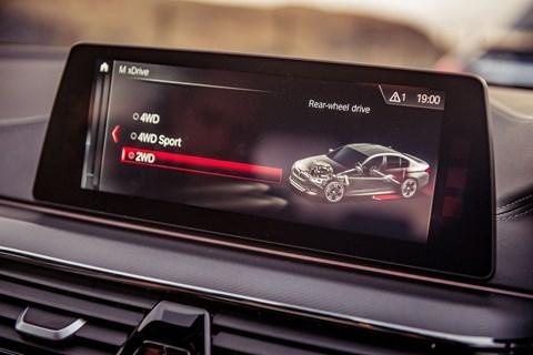 BMW M5 drive mode
