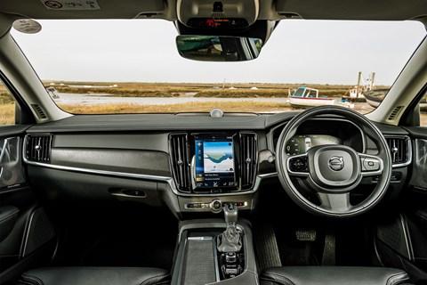 Volvo V90 CC interior