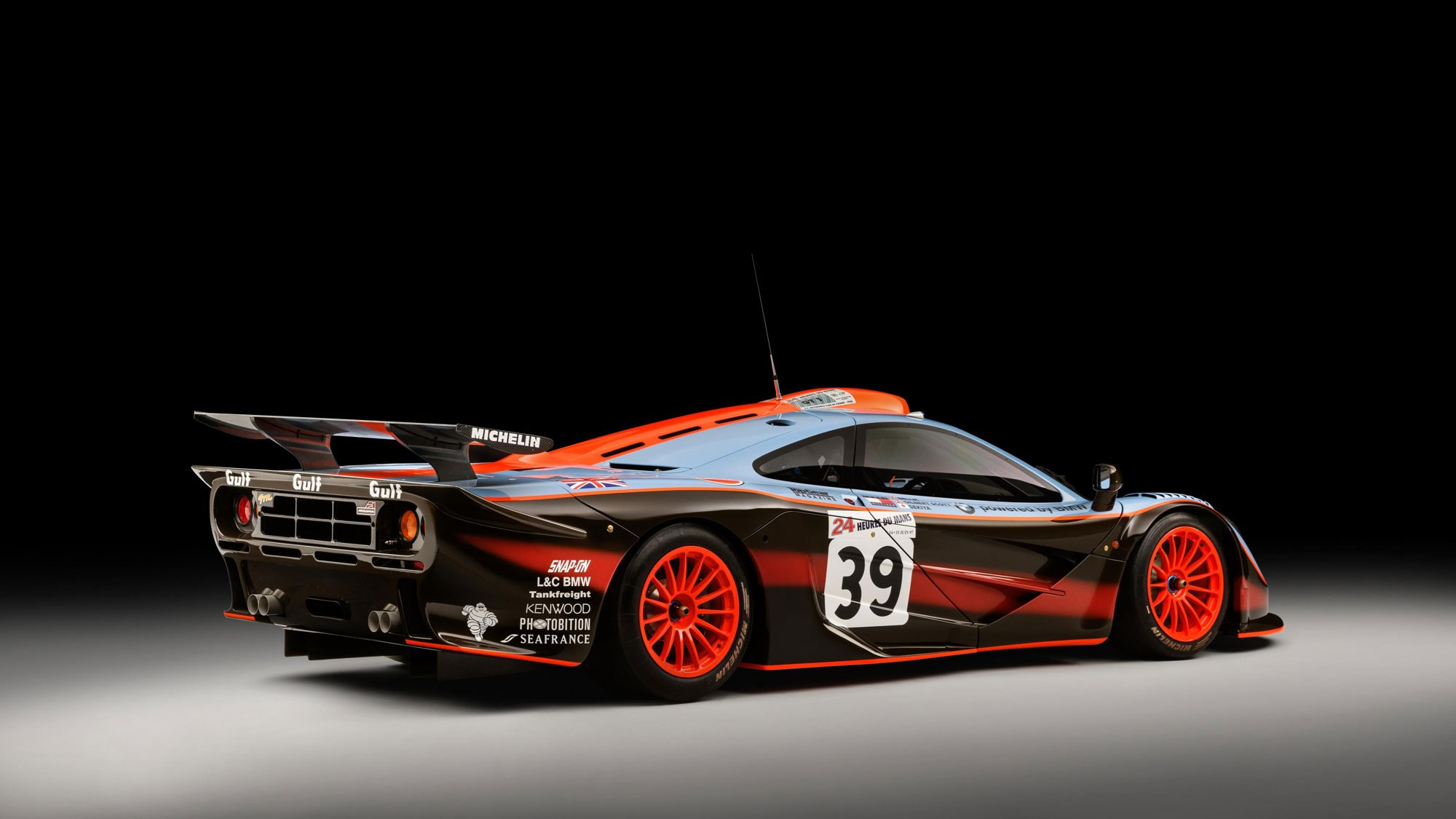 F1: McLaren Reveals Pristine '25R' F1 GTR