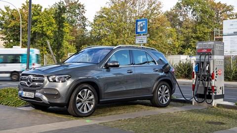 Mercedes-Benz GLE 350 de plug-in hybrid charging