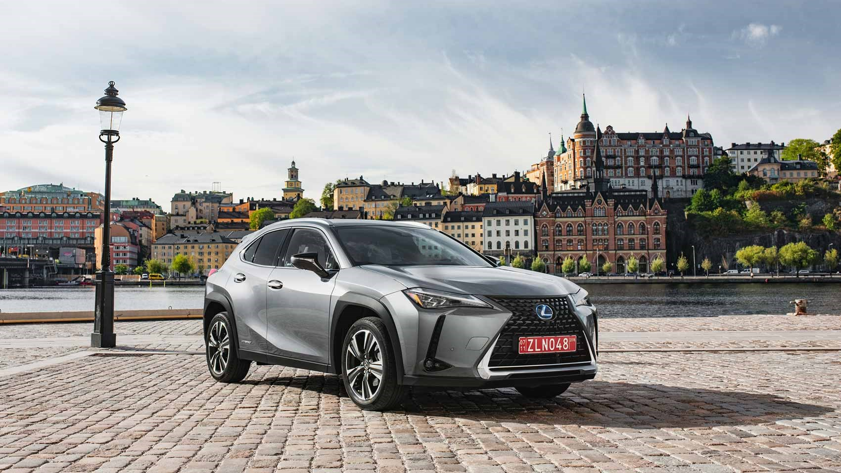 Lexus UX prices and specs