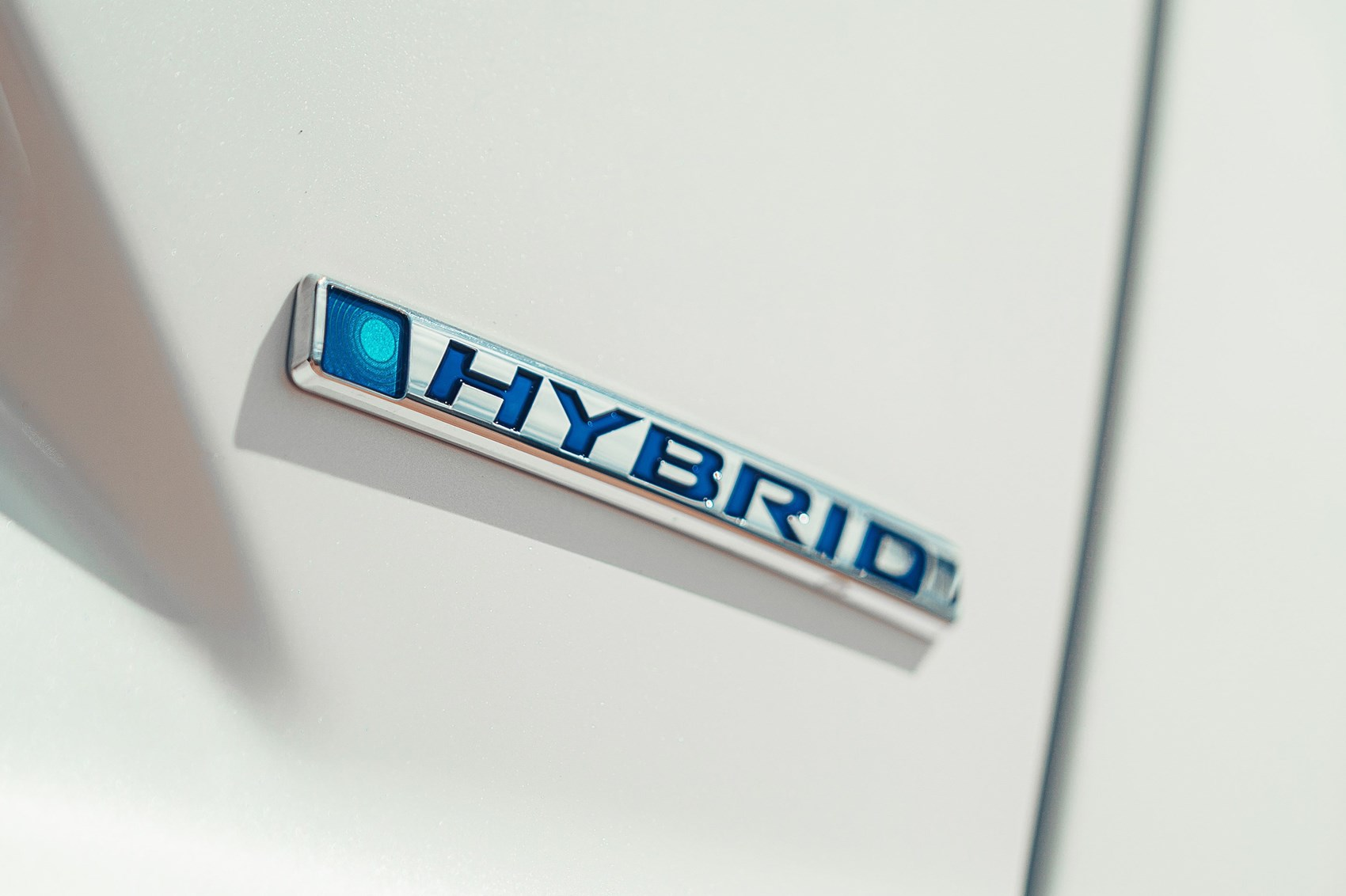 Honda CR-V Hybrid badge
