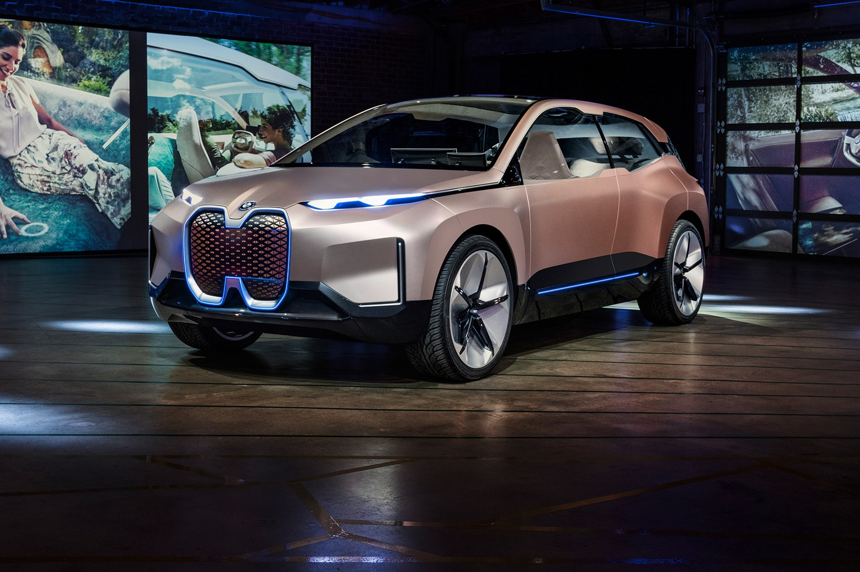 BMW iX5 electric SUV: production iNext spotted | CAR Magazine