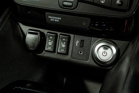 Nissan Leaf USB