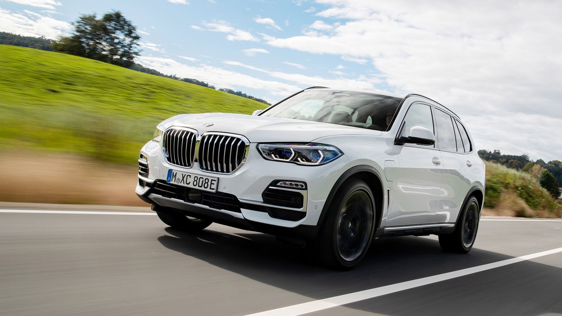 BMW X5 45e plug-in hybrid PHEV review