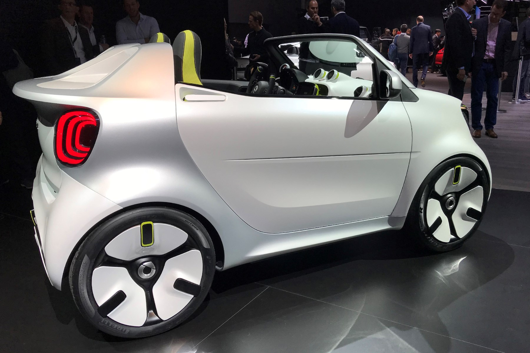 state of the smart  forease  cabrio concept gives a glimpse into the future