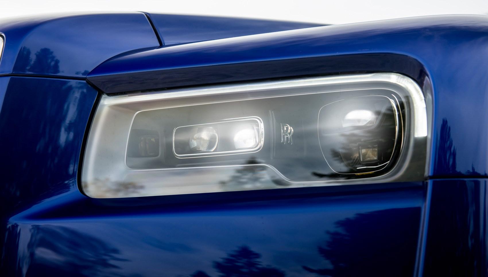 Rolls-Royce Cullinan headlights