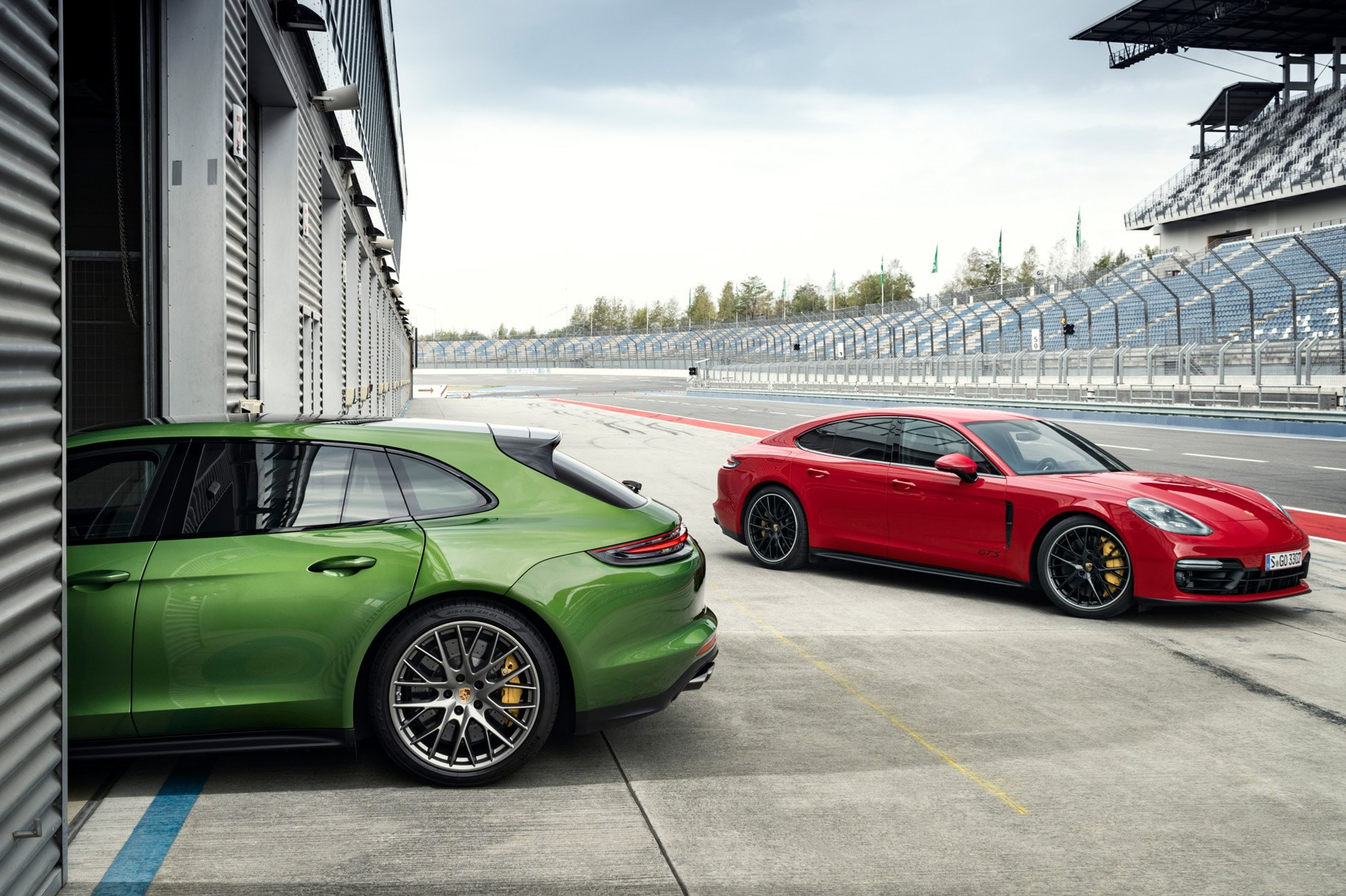 Panamera Gts 2018 >> Rangee 2013 The Hybrid Electric Range Rover Sport Car Magazine