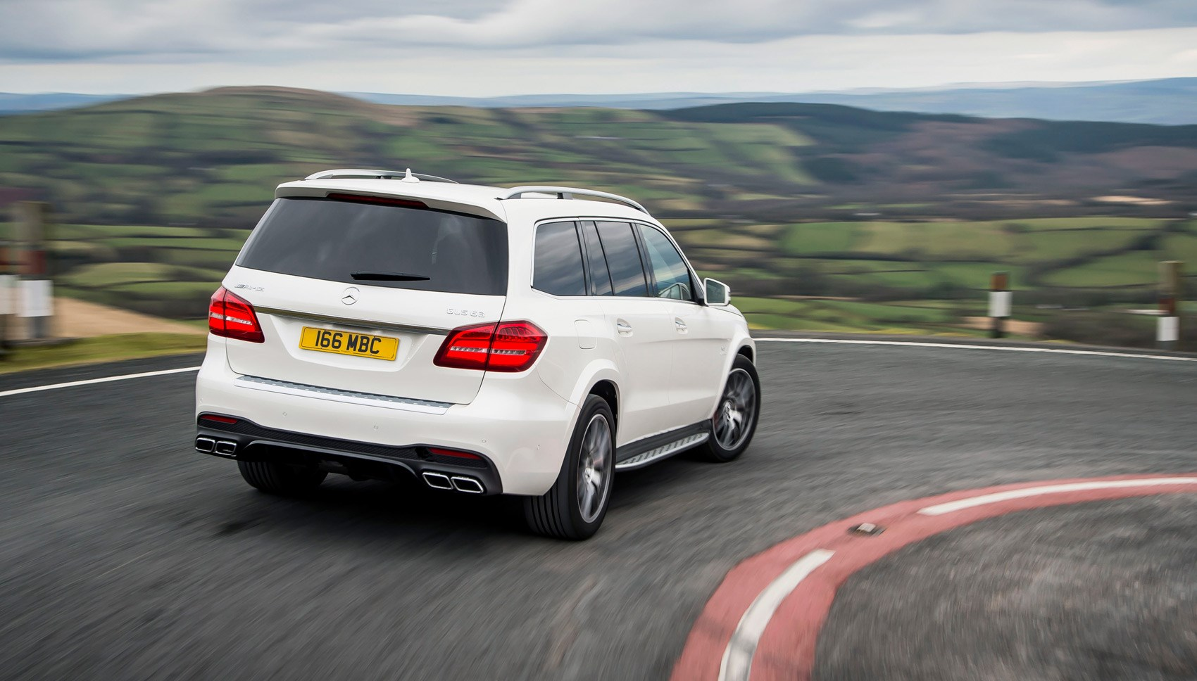 Mercedes-AMG GLS63 rear cornering