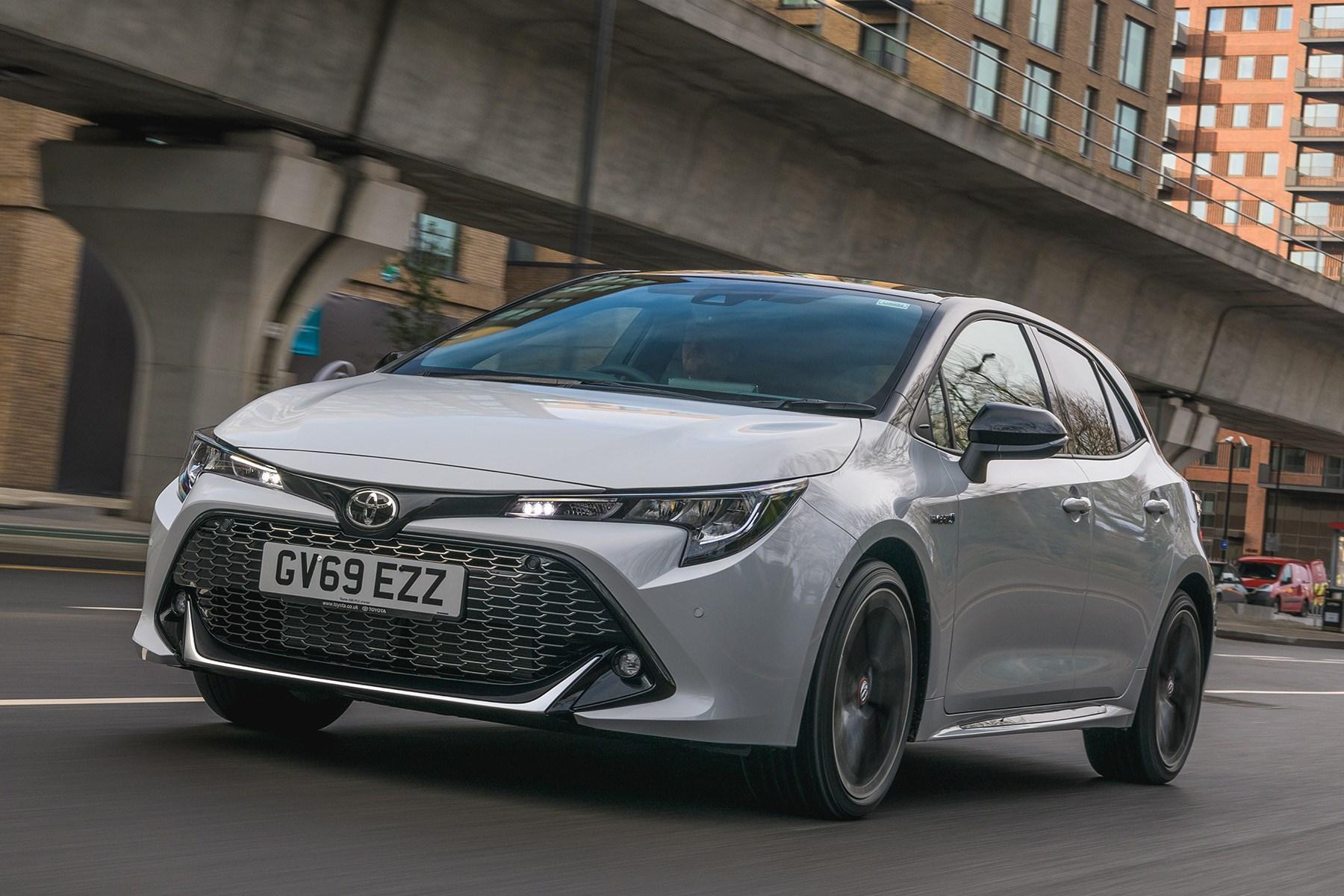 Toyota Corolla Hybrid, handling front 2020