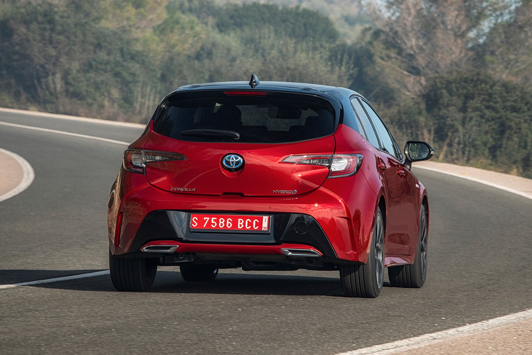 Find Some Corners And The New 2019 Toyota Corolla Far From Disgraces Itself Displaying A Decent Amount Of Front End Grip With Predictable Although Light